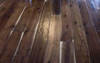 Handscraped Walnut Beartooth Mountain Flooring